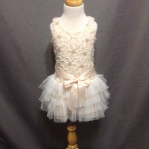Girl's Pinky Dress Size 3/4